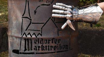 Old Battlehand erlebt auf dem Meldorfer Markttreiben sein erstes Abenteuer