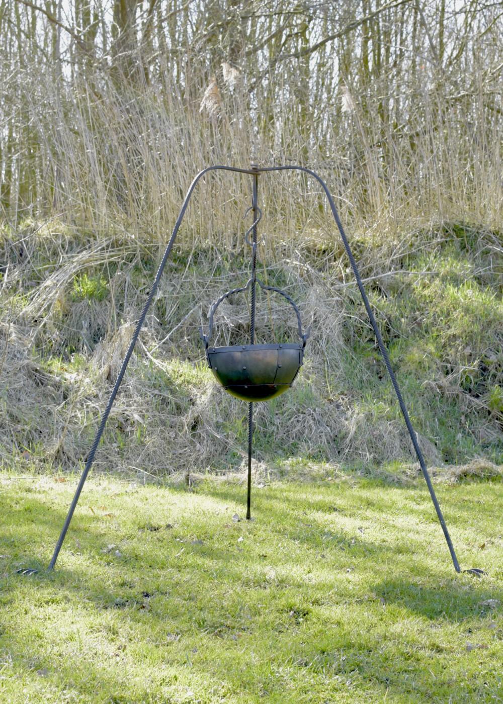 Großes Dreibein, handgeschmiedet, ca. 155 cm