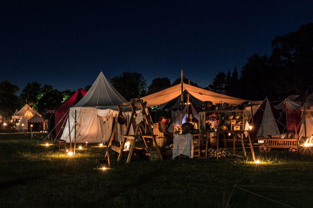 """""""Medieval market at dusk"""" - von Dennis Kleine-Tebbe - erschienen im Kalender 2019"""