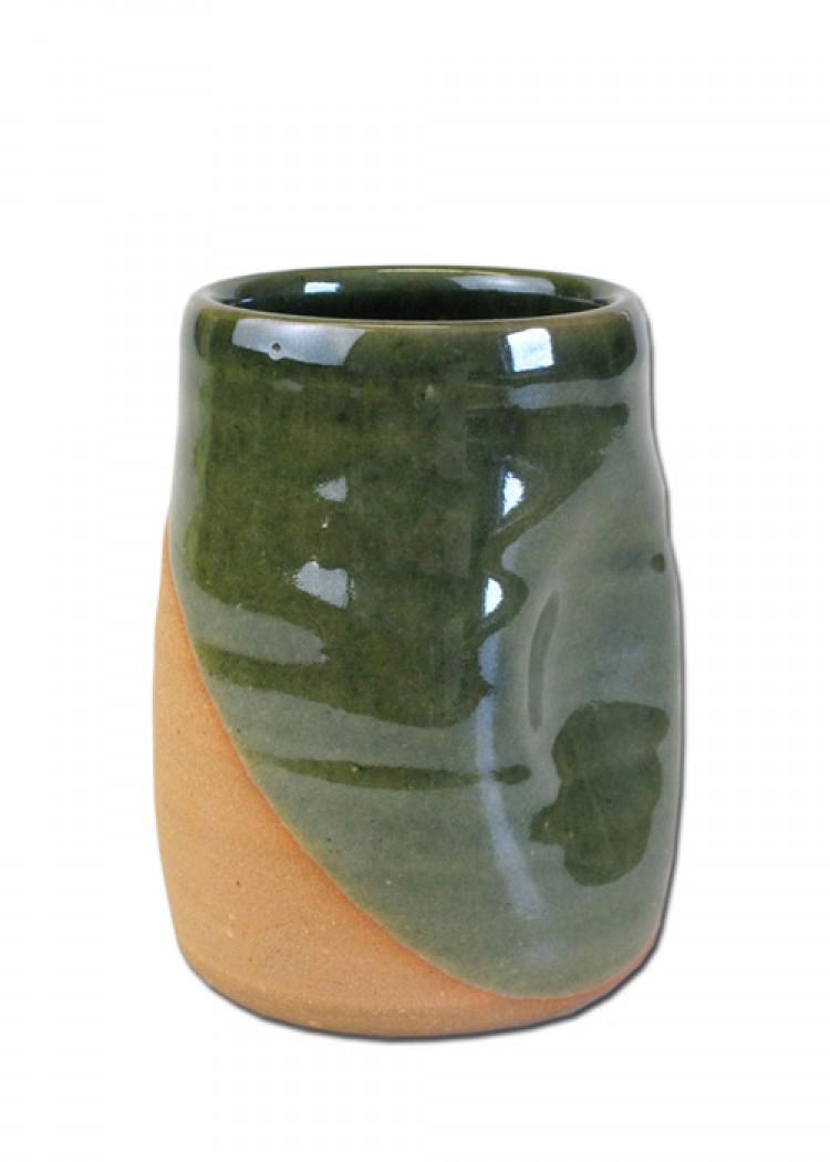 Historischer Dellenbecher aus Ton, 0,25 Liter, grün