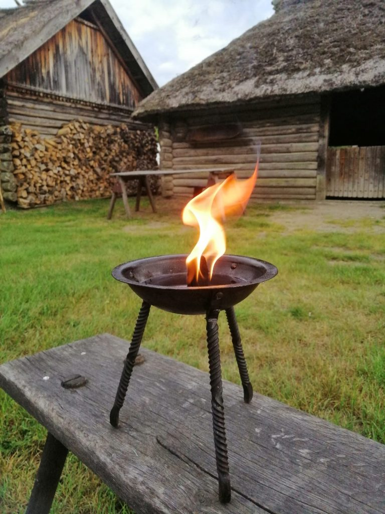 Oseberg Feuerschale / Oseberg fire bowl - great light source for your medieval camp
