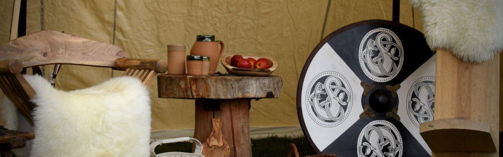 In einer gemütlichen Sitzecke macht das Mittelalterlager noch mehr Spaß!
