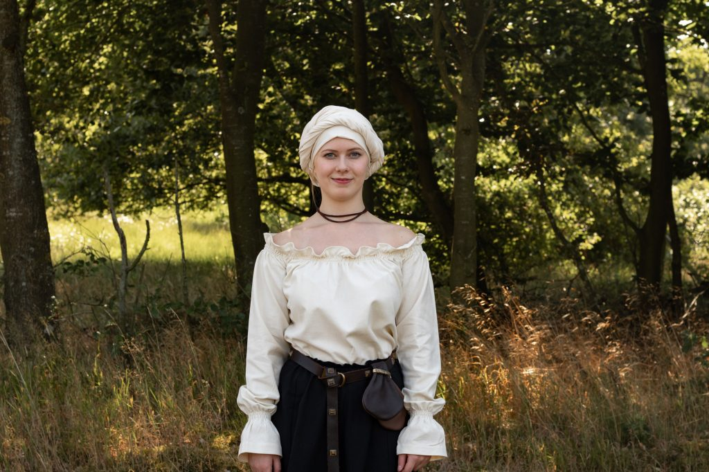 Fertig ist die Mittelalter Kopfbedeckung